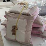 Scruffy teddy stone / pink cot bale set